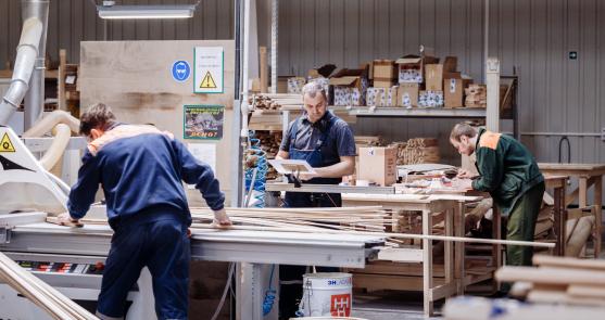 Производство мебели на заказ в Санкт-Петербурге - Мебельная фабрика 3+2